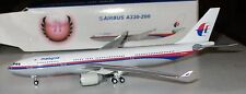 Phoenix 1:400  Malaysia  Airlines A330-200  #9M-MKW    -  10439