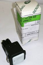 GENUINE LAND ROVER DISCOVERY 3+4 LOWER TAILGATE PUSH BUTTON SWITCH FQY500011
