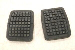NEW OEM Ford Clutch & Brake Pedal Rubber Pad Set of 2 C7TZ-2457-B F600 F700 F800
