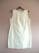 M&S Size 18 White Embroidered Cotton Sleeveless Lined Knee Length Shift Dress