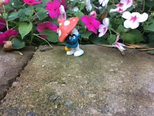 Smurf with mushroom umbrella Peyo by Applause. 1990's