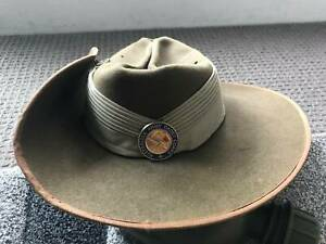 2000s AUSTRALIAN Slouch Hat made by Mountcastle withArmy Cadet Corps badge.