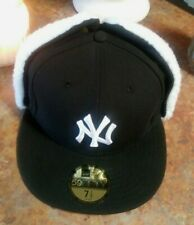 New York Yankkes New Era 59Fifty Fitted Hat Fleece Ear flap,Black Size 7 1/2 NWT