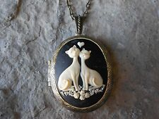 CAT (S) IN LOVE HEART CAMEO LOCKET -ANTIQUE BRONZE, VINTAGE LOOK, QUALITY