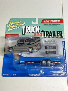 Johnny Lightning Truck and Trailer 1/64 Release 1 2002 Chevy Silverado & Camper