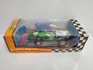 Rare In-Toys FE Service Bar Car Ramp Honda RA273 Race Car 300B Green Hong Kong