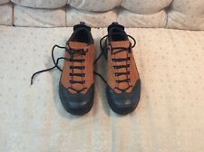 Columbia Bugatrail Insulated Hiking Shoes For Man (Black/Cinnamon) Size 12.