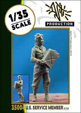 DJITI'S PRODUCTION 35004 US Service members E.T.O. scala 1/35