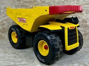 ********Hasbro Yellow Metal Mighty Tonka Dump Truck Red Handle #9159 2004*******