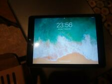 Apple iPad 5th Gen. 32GB, Wi-Fi + Cellular Vodafone, 9.7in + bundle