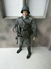 Custom Dragon WWII German Infantryman With MP-40 1:6 Loose  # 4