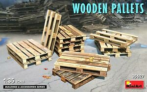 Miniart 1:35 Wooden Pallets Model Kit