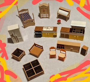 Vtg LOT Tomy Dollhouse Furniture BEDROOM KITCHEN LIVINGROOM Smaller Homes