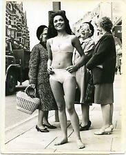 1968 Bikini Swimsuit Women's Fashion Press Photo Hylette London England Fellini