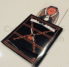 VAMPIRE CARD COFFIN ESCAPE MAGIC DRACULA TWILIGHT GOLD PAPER FASTENER CLIP TRICK