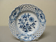 """GORGEOUS MEISSEN """"BLUE ONION"""" CROSSED SWORDS 8"""" RETICULATED PLATE"""