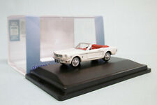Oxford - FORD MUSTANG CONVERTIBLE 1965 Goldfinger blanc Voiture US Neuf HO 1/87