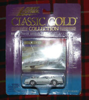 1983 Chevrolet Monte Carlo SS Johnny Lightning #1 Classic Gold  Series 404-02