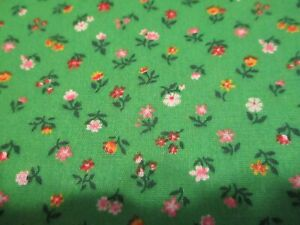 Vtg. Fabric,TINY FLORAL Flowers on Green Quilts Crafts Daisies Red Flower 1/2 Yd