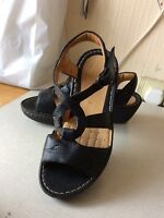 ladies clarks sandals size 6
