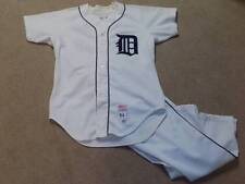 Tony Taylor Game Worn SIgned Full Uniform 1984 Detroit Tigers Phillies