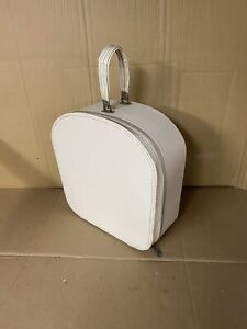 Vintage White Train Case Luggage Carry-on / Hat Box,,( Brand-name, Travins )