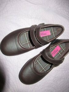 nwot RAchel shoes brown faux leather Mary Jane shoes big girls 13 M free ship US