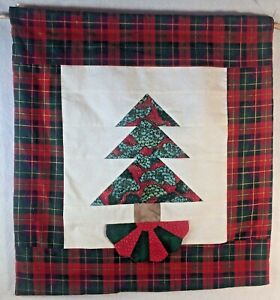 """Christmas Tree Wall Hanging Quilt 20"""" H x 19"""" W Red & Green 20""""x19x"""" W Skirt"""