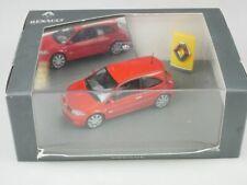 Universal Hobbies 7711225835 Renault Megane Sport red rot 1/43 + Box 516220