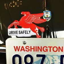 Mobil Flying Horse Pegasus License Plate Topper fits zwitter okrasa kdf oval Cox