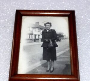 Photograph lady woman black & white framed vintage 50s 60s Car Brooch glasses 50