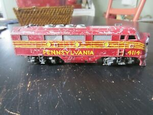 h o trains: A nice all die cast PENNSY diesel with working motor from the late 4