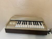 Vtg  Organ Made by Estey Organ Corp. model 1025 not fully tested