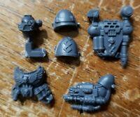 Warhammer 40k Space Marine Bits:Command Squad Apothecary Set w/ Narthecium