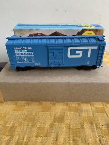 HO Athearn Grand Trunk Western 40' Boxcar GTW
