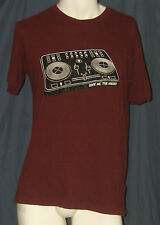 Give me the Noise Men's Maroon S Small T-Shirt Turntables DJ Vinyl Record Worn