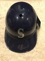 ICHIRO SUZUKI Signed Autographed Seattle Mariners Helmet ( Kids Size ) - COA