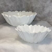 "Set Of 2 VTG Milk Glass Bowls Sunflower & Cabbage Leaf Pattern 7"" & 9"" Rnd L"