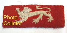 Léopard blanc sur fond rouge - insignes non identifié - 100 x 40mm -  Anglais ?