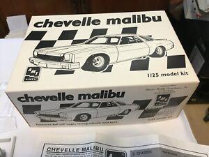 AMT 1/25 scale Chevelle Malibu Stock Car Model Car Kit