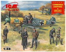 ICM 48803 - 1/48 BF-109F-2 German Aircraft with pilots, WWII, scale model kit