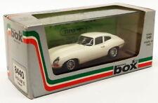 Voitures, camions et fourgons miniatures verts en métal blanc pour Jaguar
