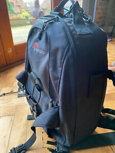 LOWEPRO backpack protective camera bag  with adjustable insides - great conditio