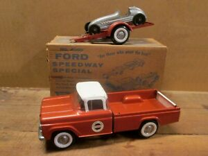 NYLINT No. 4000, 1960 FORD SPEEDWAY SPECIAL SET Complete in ORIGINAL BOX