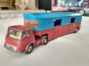 Corgi 1130 Chipperfield Circus Articulated Horse Box + NICE Bedford TK Tractor