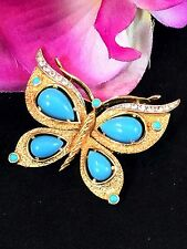 1960'S CROWN TRIFARI GOLD-TONE TURQUOISE CABOCHON RHINESTONE BUTTERFLY BROOCH