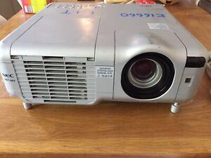 NEC Projector (MT1060)