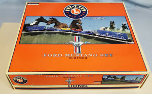 LIONEL (LOT 42) 6-21593 FORD MUSTANG SET W SET AND ORIG BOXES...........TK..