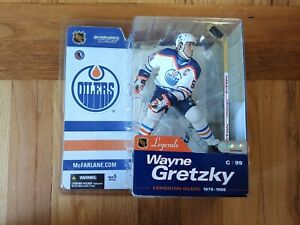 NHL McFARLANE LEGENDS 1 EDMONTON OILERS WAYNE GRETZKY VARIANT, READ DISCRIPTION