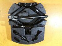 Ford Mondeo MK4 Tool Kit Set Complete Jack Holder 2.0 Tdci 2008